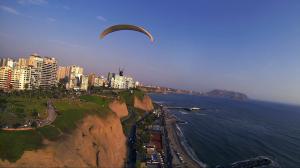 Paragliding_-_in_Lima_Peru